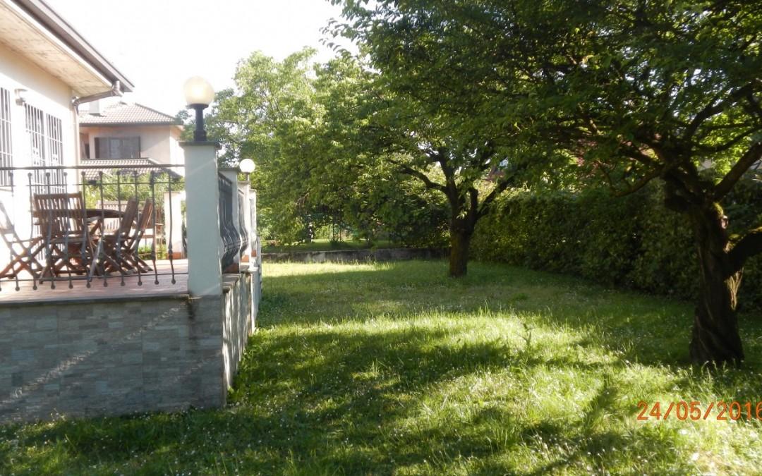 Villa a Segrate (Rif. 127)